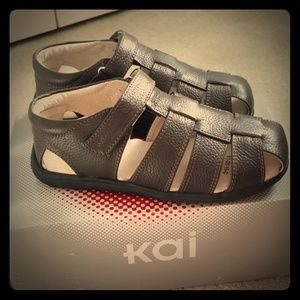 🆕️SEE KAI RUN brown boys fisherman sandals 13